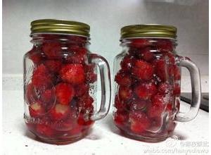 糖腌草莓的做法